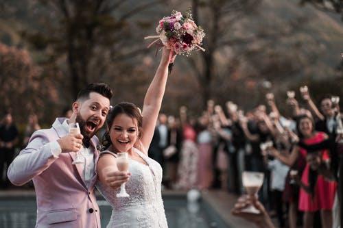 surprising benefits of romance on health-chaskaclub